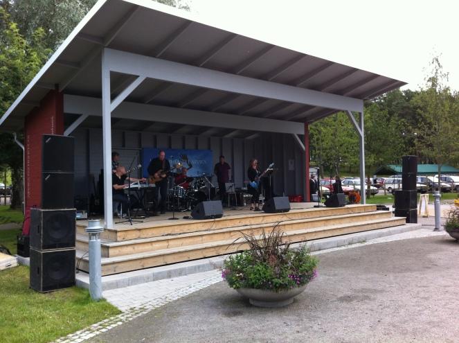 Brättne Blues Band med gäster. Foto: David Fryxelius.