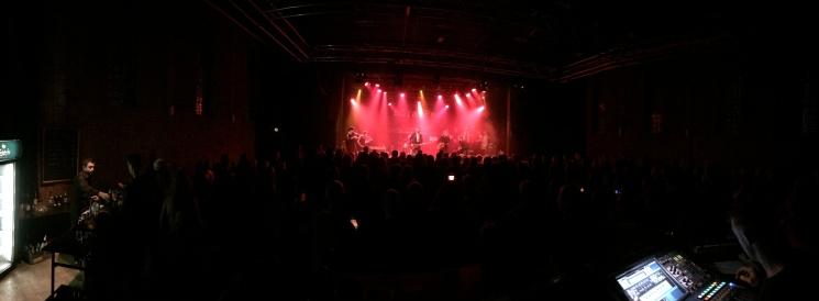 Panoramafoto från môra-Pers jubileumskonsert på Ritz i Arvika 1/11 2014. Foto: David Fryxelius.