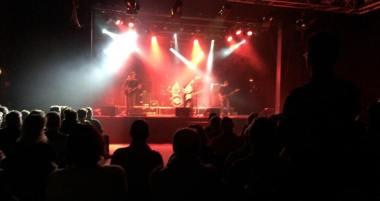 Simon Karlsson Band för Musikhjälpen på Ritz i Arvika. Foto: David Fryxelius.