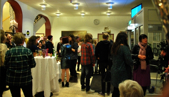 Mingel i foajén på Musikskolan i Arvika. Foto: David Fryxelius.