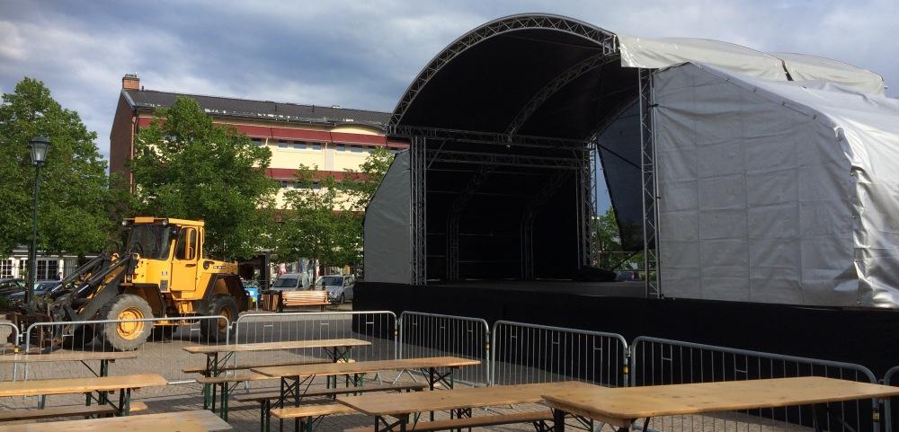 Förberedelser inför Arvika stadsfest. Foto: David Fryxelius.