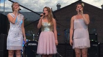 Hebbe Sisters på Arvika stadsfest 2015. Foto: David Fryxelius.