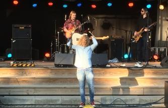 Gitarrsolo med Maple Grove på Rock Im Stadspark. Foto: David Fryxelius.