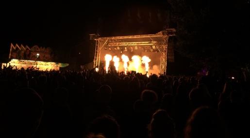 Proteknik vid Broilers konsert på Arvika Hamnfest 2015. Foto: David Fryxelius.