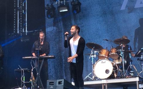 Måns Zelmerlöw på Arvika Hamnfest 2016. Foto: David Fryxelius.