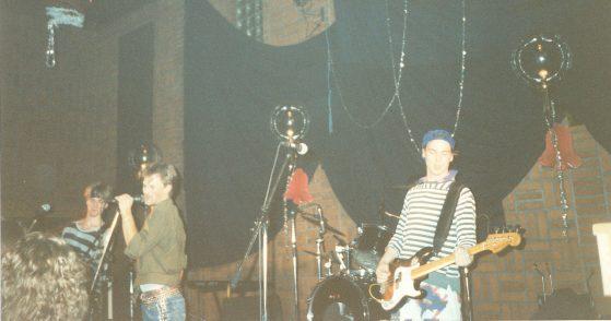 Three More Than Jesus på Annandagsrocken 1989 på Arken (nuvarande Ritz). Foto utlånat av: Magnus Fors.