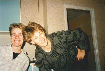 Tomas Walter och Magnus Fors i köket på Püben (Blå Huset) 1987. Foto utlånat av: Magnus Fors.