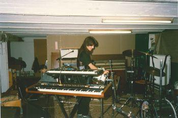 Vilken ordning i Doktor Glas replokal på Blå Huset 1987. Foto utlånat av: Magnus Fors.