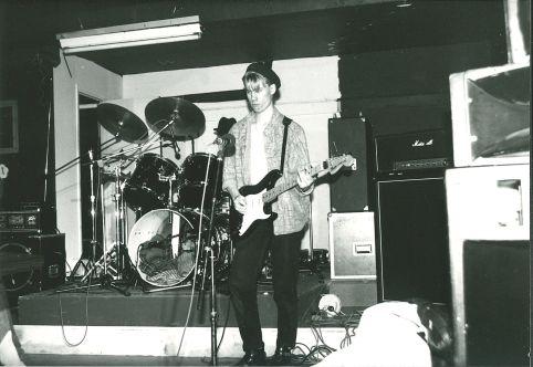 Tomas i Doktor Glas på DIP-teatern (källaren på nuvarande Musikskolan) 1986 (?). Foto utlånat av: Magnus Fors.
