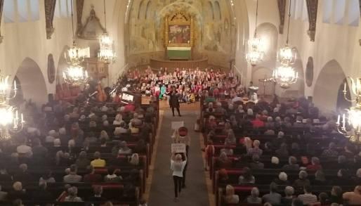 Världens barn-konsert i trefaldighetskyrkan. Foto: Hans Gustafsson.