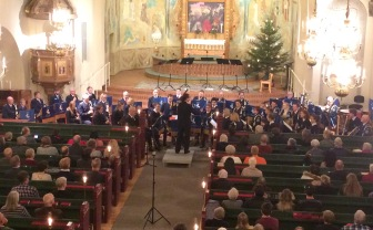 Julkonsert med Arvika stadsmusikkår i Trefaldighetskyrkan. Foto: David Fryxelius.