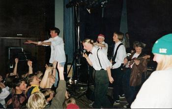Maryland Cookies på julbalen på Folkets Hus (nuvarande Ritz) 1994. Foto: Patrik Nilsson.