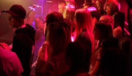 Kören sjunger under Central Show. Foto: David Fryxelius.