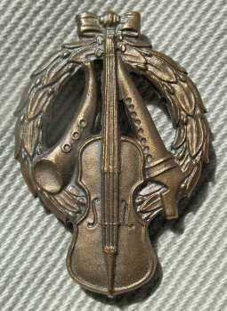Zornmärket i brons. Foto: Wikipedia.