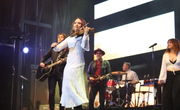 Musiker på Per Gessles konsert på Arvika Hamnfest 2017. Foto: David Fryxelius.