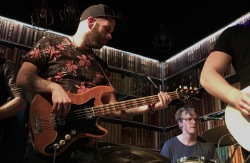 Jen Nilsson i Pink Furtan. Foto: David Fryxelius.