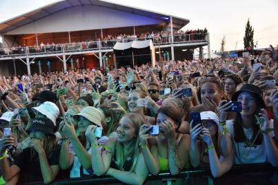 Publik på Hov1 konsert på Arvika Hamnfest 2019. Foto: David Fryxelius.