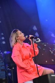 Molly Sandén på Arvika Hamnfest 2019. Foto: David Fryxelius.