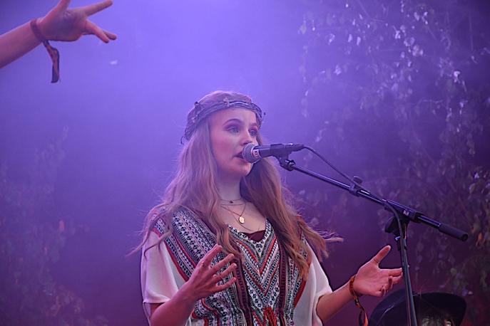 Stina Olsson i Nephila på Arvika Hamnfest 2019. Foto: David Fryxelius.
