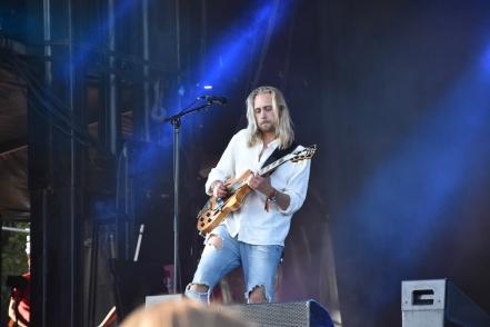 Musiker på Smith & Thells konsert på Arvika Hamnfest 2019. Foto: David Fryxelius.