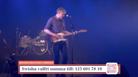 """Tobias Östlund på insamlingsgalan """"Music against Covid-19""""."""