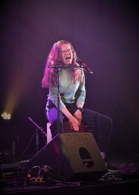 Linnea Waljestål på Music against Covid-19 del 2 på Ritz. Foto: David Fryxelius.