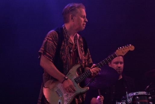 Torbjörn Solberg i T-Bear and the Dukes på Piren Live 2020. Foto: David Fryxelius.